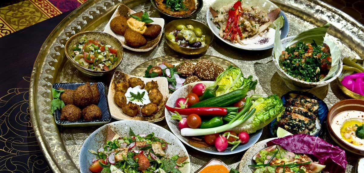 Beryani Menu naar keuze met Kabab, Chicken, of Falafel